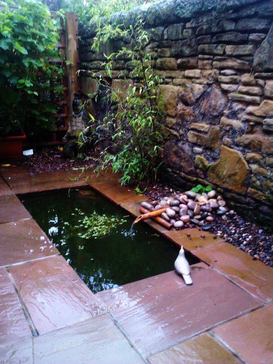 Edinburgh Decking Bespoke Garden Decking: Water Features Edinburgh- Design And Build Service