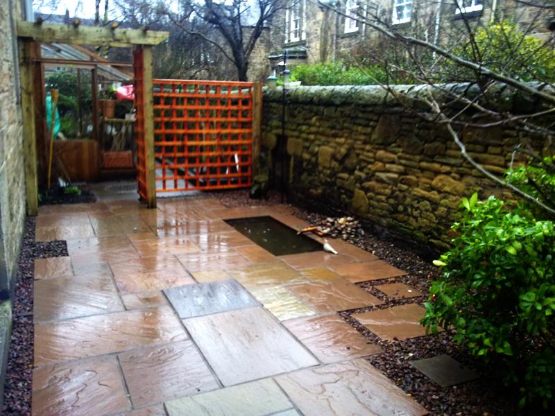 Decking with balustradethe garden construction company for Garden decking edinburgh