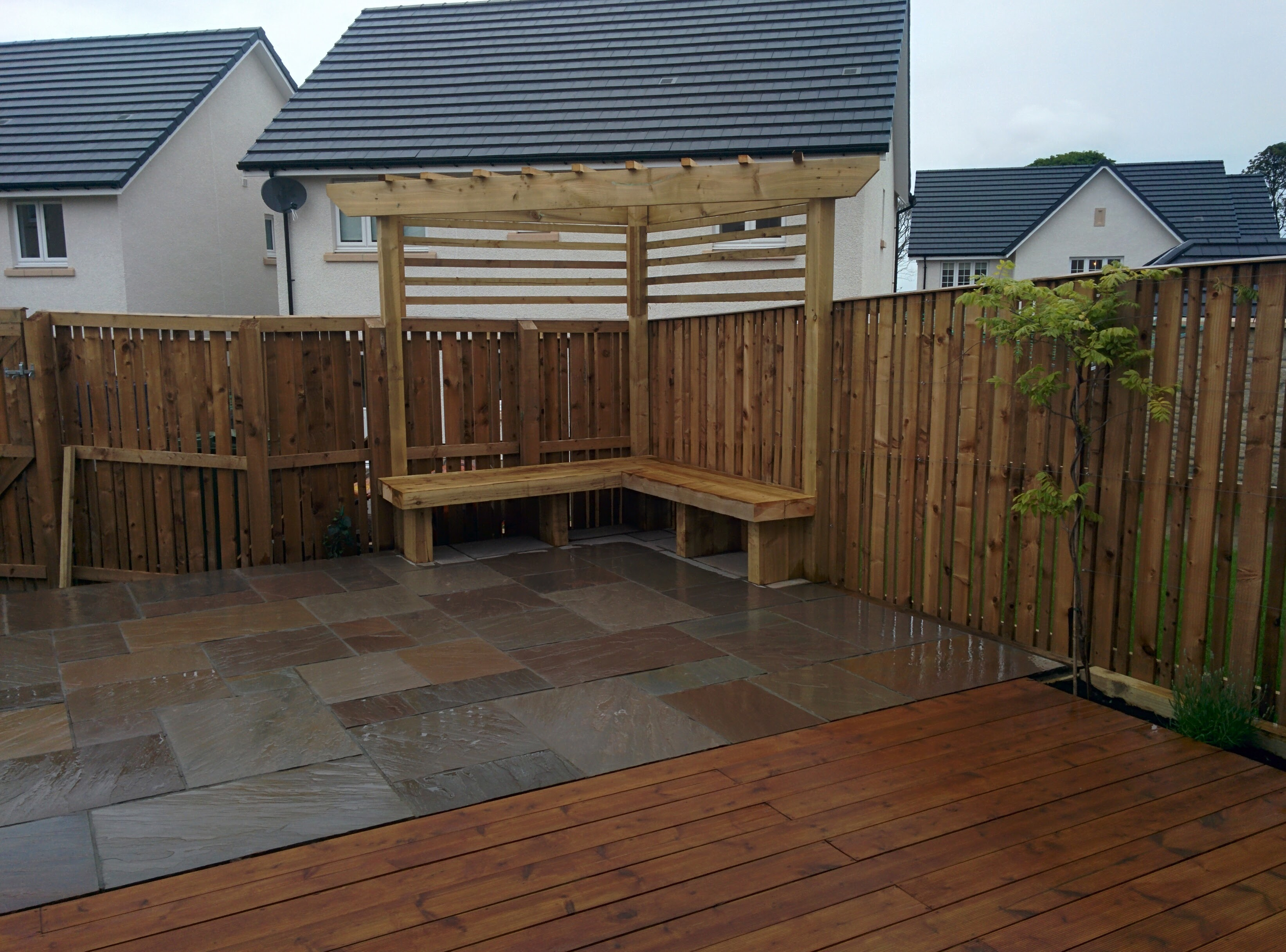 Decking and patio the garden construction companythe for Garden decking companies